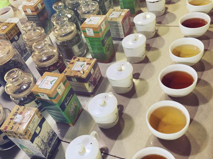 Sảnh trưng bày và thưởng trà của thiên đường trà ngon nhất thế giới Handunugoda. Ảnh:LF